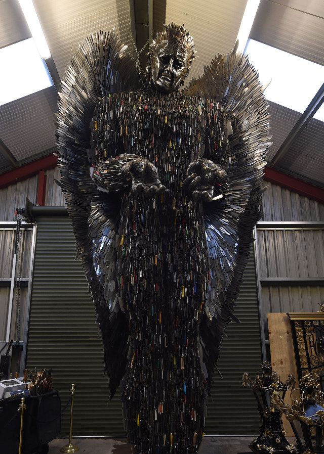 Statue Made From 100 000 Knives Collected By The Police